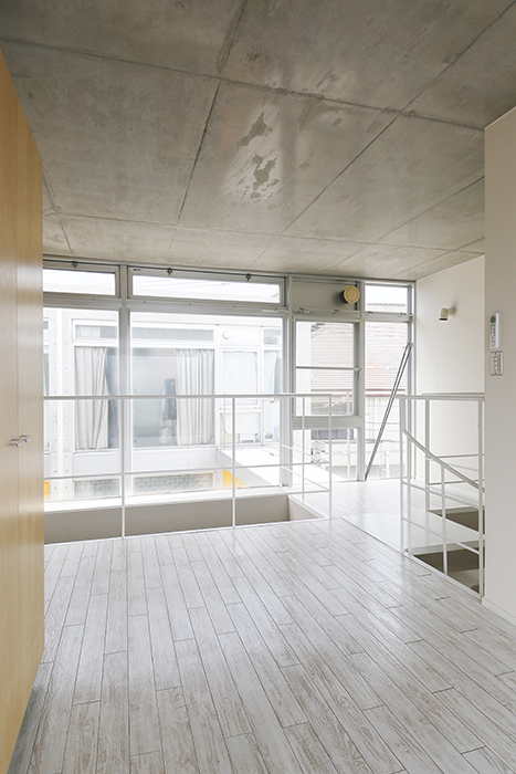 【M/F HOUSE】008号室_洋室_全景_天井高◎_MG_3663