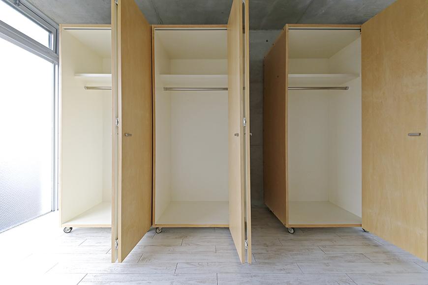 【M/F HOUSE】008号室_洋室_可動式のクローゼット収納_MG_3515