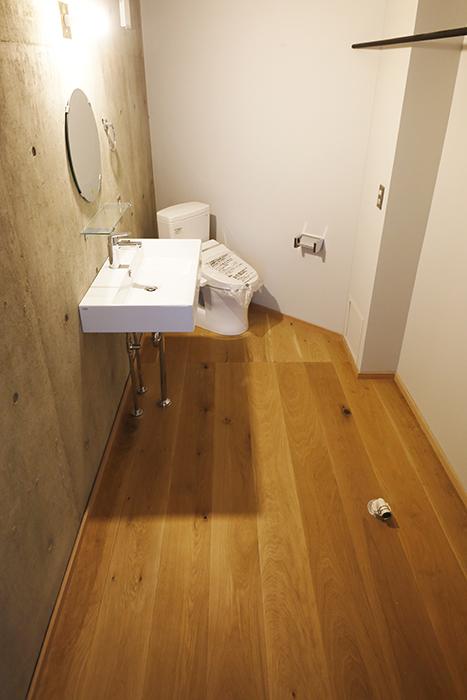 【大池薬局ビル】5S36洗面とトイレ全体_MG_5670