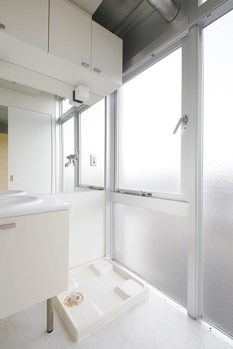【M/F HOUSE】008号室_サニタリールーム_室内洗濯機置き場_MG_3554