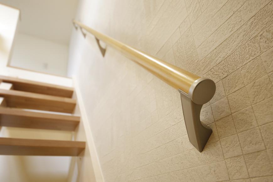 西尾市【モフズヴィラ(Mofz Villa Imagawa)】102号室_洋室からロフトへの階段_MG_6793