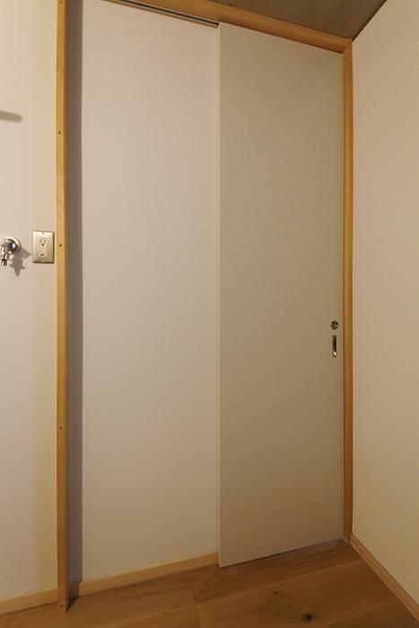 【大池薬局ビル】5S48洗面からもう一つのドア_MG_5677