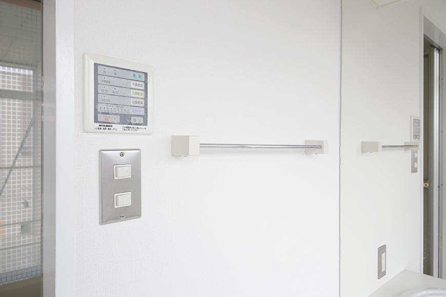【M/F HOUSE】008号室_サニタリールーム_バスルーム_コンパネ・スイッチ周り_MG_3579