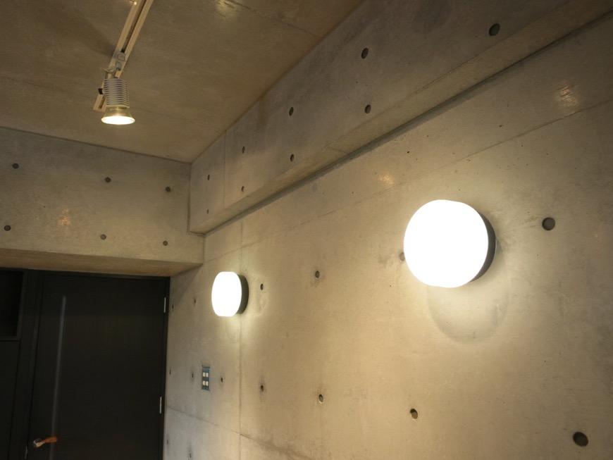コンクリート打ちっ放しのクールなお部屋。6帖(サンルーム付き)。ARK HOUSE 南館 3A 何もかもが魅力的な創造空間。30