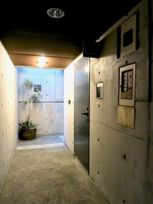 外観・共用 コンクリートハウス 風か吹き抜ける美しい要塞。218 HOUSE 2D号室18