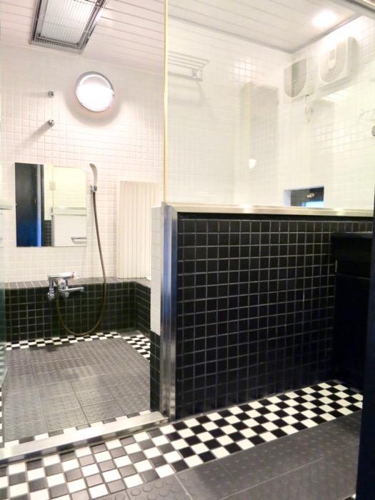 洗面・浴室 コンクリートハウス 風か吹き抜ける美しい要塞。218 HOUSE 2D号室0