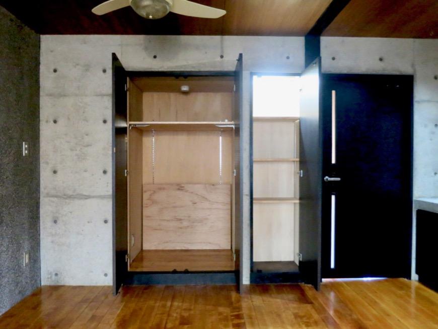10帖の洋室 コンクリートハウス 風か吹き抜ける美しい要塞。218 HOUSE 2D号室17