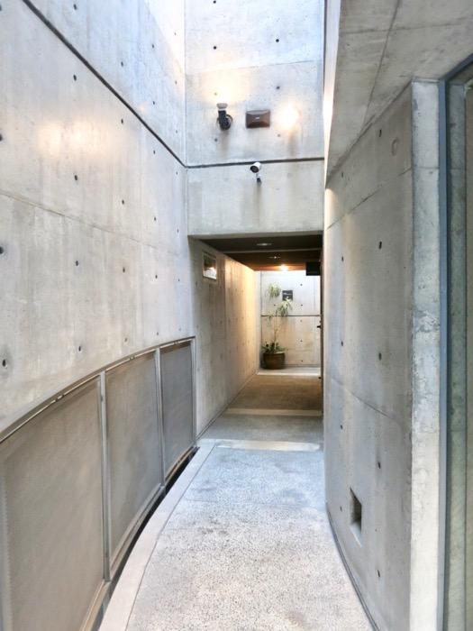 外観・共用 コンクリートハウス 風か吹き抜ける美しい要塞。218 HOUSE 2D号室9