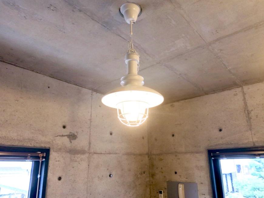 5.5帖洋室 大磯洗い出しの腰壁 コンクリートハウス 風か吹き抜ける美しい要塞。218 HOUSE 2D号室5