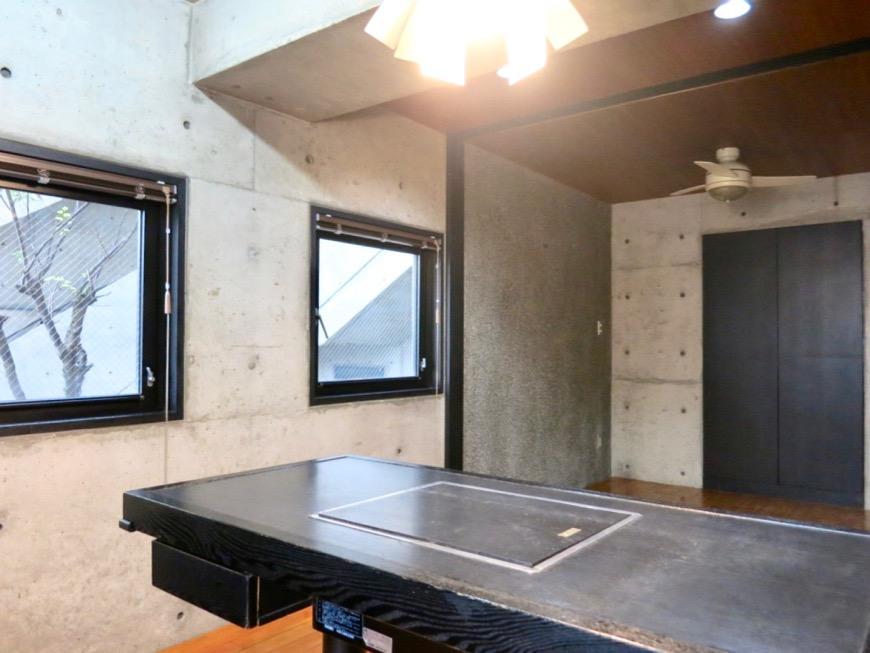 ダイニング コンクリートハウス 風か吹き抜ける美しい要塞。218 HOUSE 2D号室5