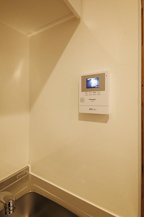 【DRAFT HOUSE】A203号室_水周り_キッチン_TVモニタ付きインターフォン_MG_8505