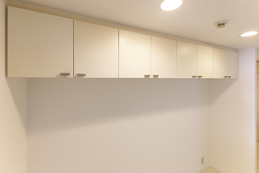 【M/F HOUSE】001号室_LDK_キッチン_背後頭上の収納_MG_2895s