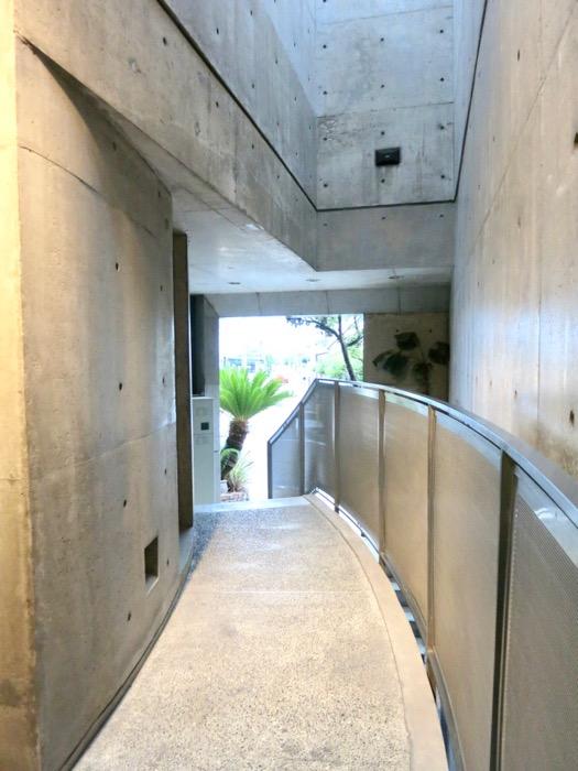 外観・共用 コンクリートハウス 風か吹き抜ける美しい要塞。218 HOUSE 2D号室17
