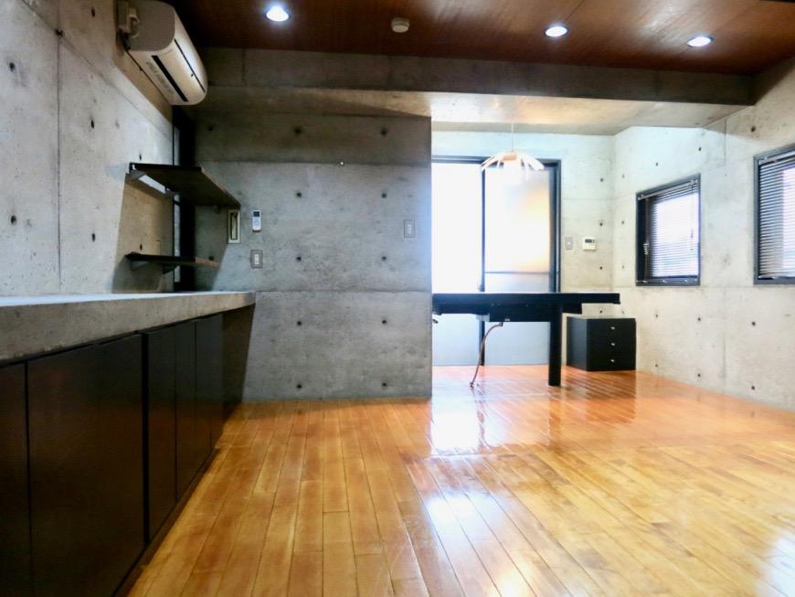 10帖の洋室 コンクリートハウス 風か吹き抜ける美しい要塞。218 HOUSE 2D号室26