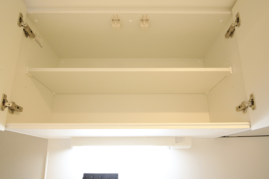 【Aphrodite】301号室_LDK_キッチン_頭上の収納棚_MG_1473