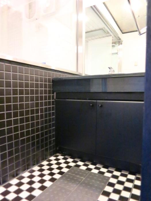 洗面・浴室 コンクリートハウス 風か吹き抜ける美しい要塞。218 HOUSE 2D号室2