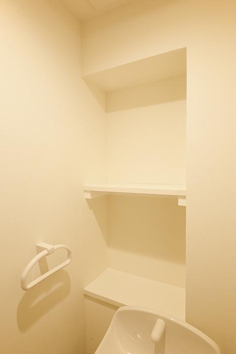 【DRAFT HOUSE】A203号室_水周り_トイレ_収納棚_MG_8432