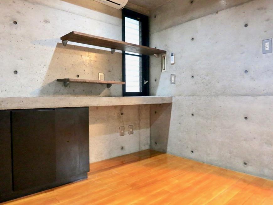 10帖の洋室 コンクリートハウス 風か吹き抜ける美しい要塞。218 HOUSE 2D号室11