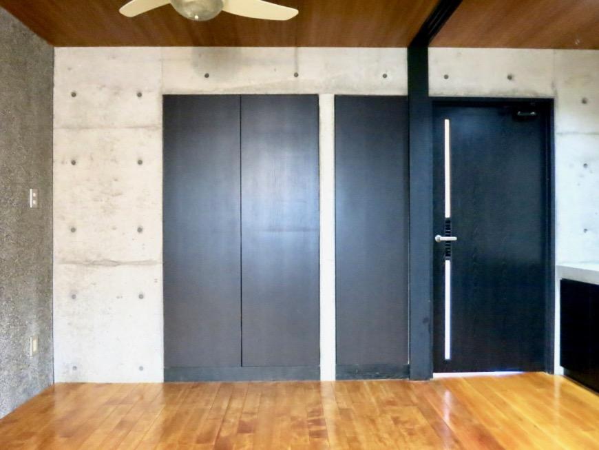 10帖の洋室 コンクリートハウス 風か吹き抜ける美しい要塞。218 HOUSE 2D号室18