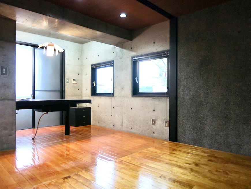 10帖の洋室 コンクリートハウス 風か吹き抜ける美しい要塞。218 HOUSE 2D号室19