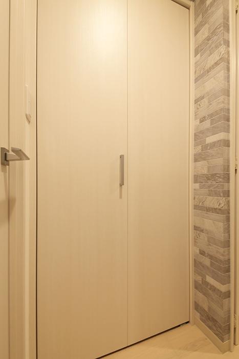 【Aphrodite】301号室_廊下_クローゼット収納_MG_1313