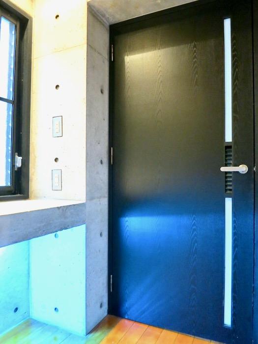 廊下 コンクリートハウス 風か吹き抜ける美しい要塞。218 HOUSE 2D号室10