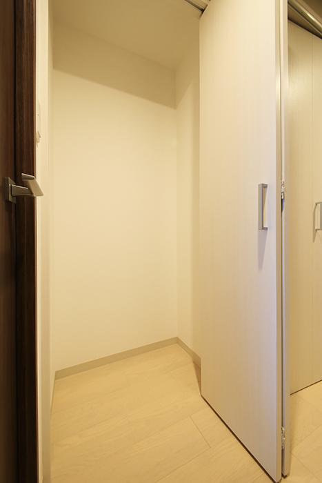 【Aphrodite】1202号室_廊下_納戸スペース_MG_1835