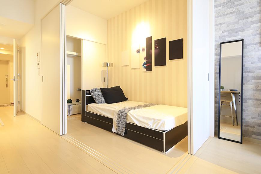 【Aphrodite】301号室_LDK_リビング・洋室の仕切りドアをクローズ_MG_1577