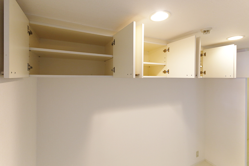 【M/F HOUSE】001号室_LDK_キッチン_背後頭上の収納_MG_2915s