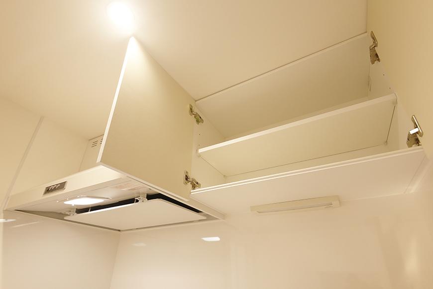【DRAFT HOUSE】A203号室_水周り_キッチン_頭上の収納棚_MG_8411