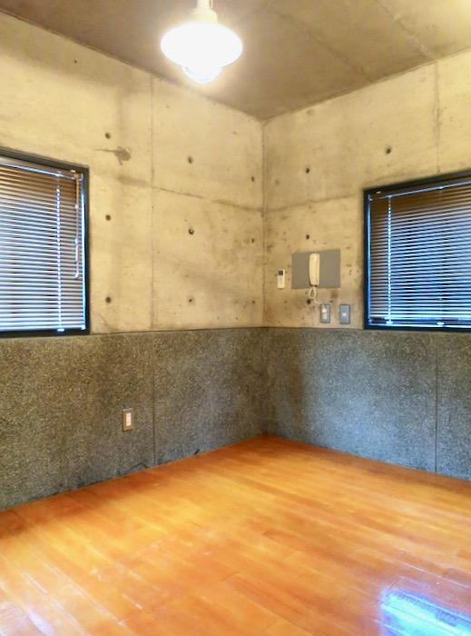 5帖の洋室 コンクリートハウス 風か吹き抜ける美しい要塞。218 HOUSE 2D号室1