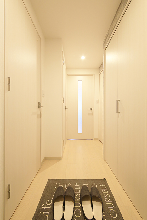 【Aphrodite】301号室_玄関から廊下_MG_1272
