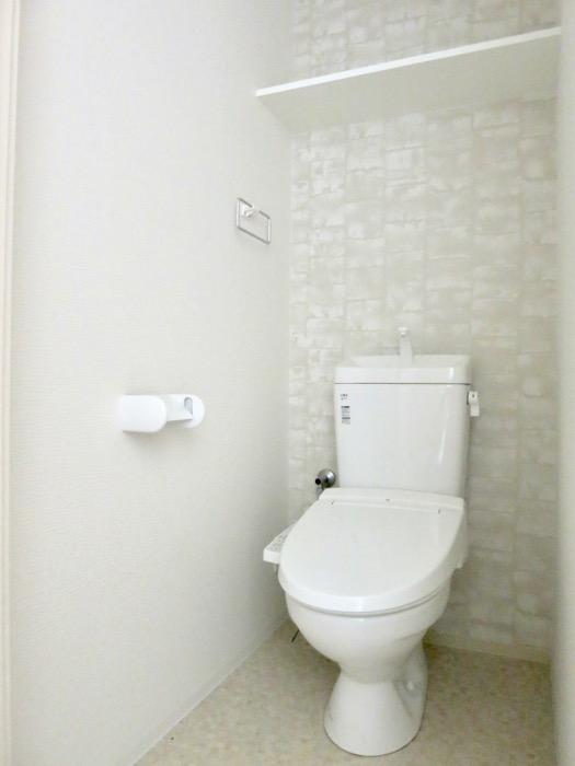 サニタリー。ナチュラルな造作デスクのあるお部屋。スリーアイランドタワー丸の内502号室0