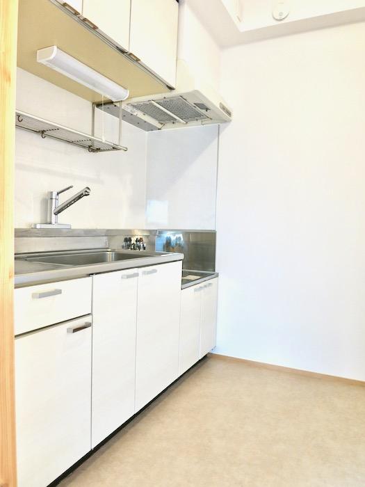 キッチン 天然木が広がるお部屋。インターシティ黒川901号室0
