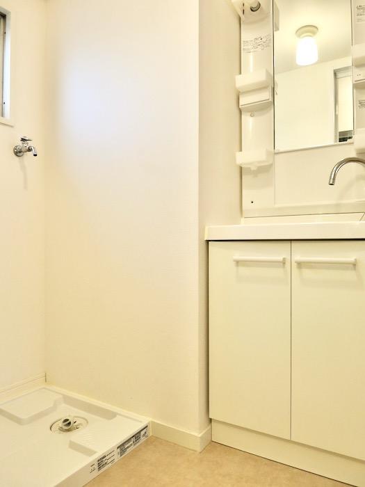 サニタリー&トイレ 天然木が広がるお部屋。インターシティ黒川901号室7