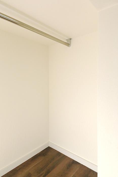 【プリマ名古屋壱番館】201号室_ロフト_収納部_MG_8098