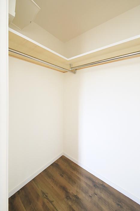 【プリマ名古屋壱番館】201号室_リビング_ウォークインクローゼット_MG_7890