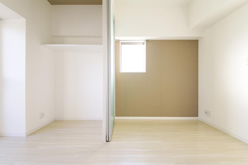 【ポルタニグラ大須】901号室_リビングスペースと洋室の仕切りドア_MG_3675