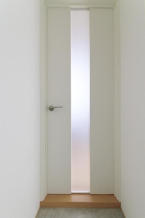 庄内通【コウノミBASE】301号室_玄関から居室へのドア_MG_9265