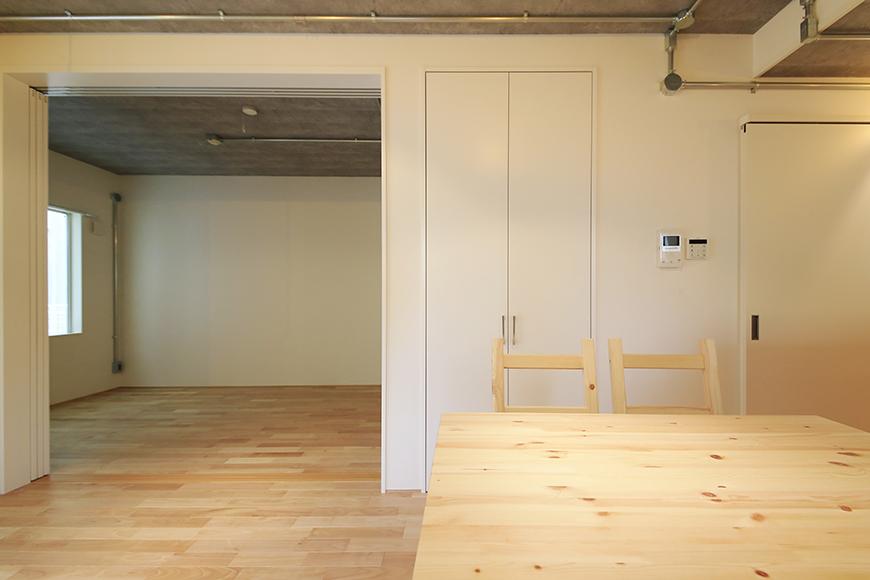 庄内通【コウノミBASE】102号室_リビング_全景_MG_8609