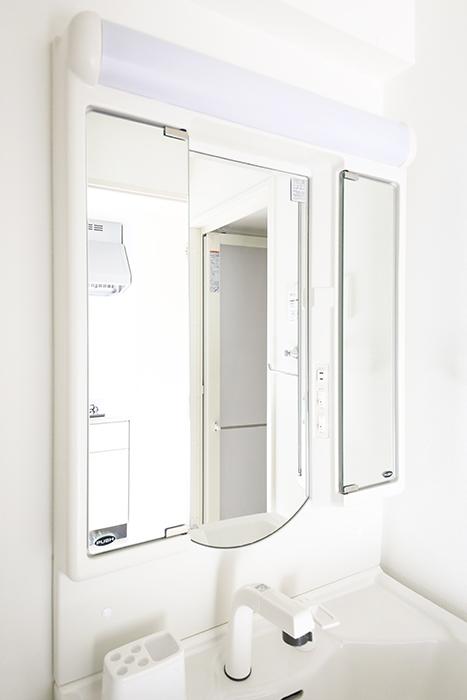 【ポルタニグラ大須】901号室_リビングスペース_水周り_独立洗面台_鏡裏収納_MG_3480