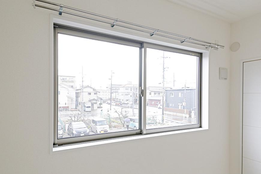 岡崎【アネシス】_C号室_二階_洋室(5帖)の窓_MG_6548