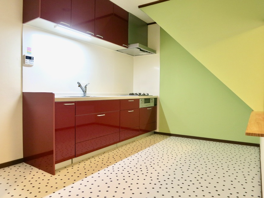 1F キッチン 和洋折衷 広い和室とチャーリーブラウン オフィス・ペット可 城主町貸家0