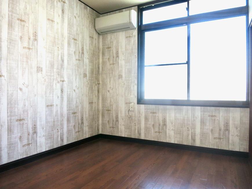 2F 洋室 和洋折衷 広い和室とスヌーピー オフィス・ペット可 城主町貸家2