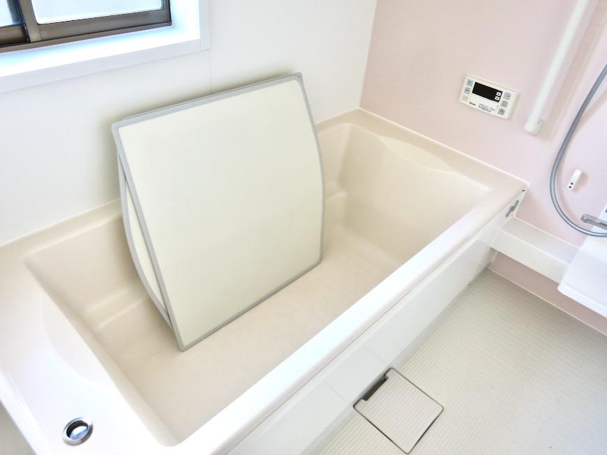 1F サニタリー&バストイレ。 和洋折衷 広い和室とスヌーピー オフィス・ペット可 城主町貸家16