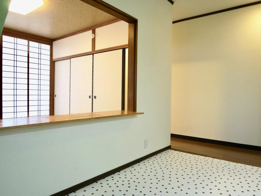 1F キッチン 和洋折衷 広い和室とチャーリーブラウン オフィス・ペット可 城主町貸家8