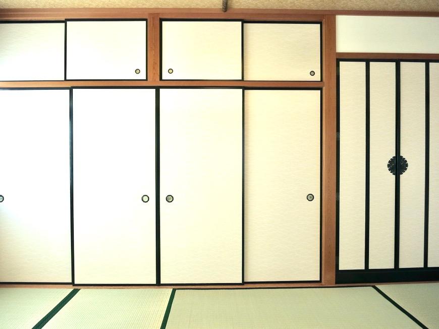 2F 10帖和室 和洋折衷 広い和室とスヌーピー オフィス・ペット可 城主町貸家9