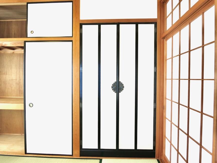 2F 10帖和室 和洋折衷 広い和室とスヌーピー オフィス・ペット可 城主町貸家6