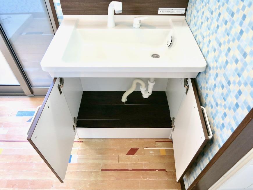 1F サニタリー&バストイレ。 和洋折衷 広い和室とスヌーピー オフィス・ペット可 城主町貸家8