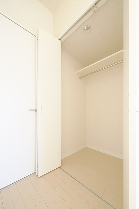 【ミュプレ矢場町】601号室_居室_クローゼット収納_MG_0533
